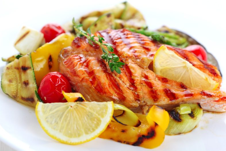 Healthy grilled-salmon-steak-min